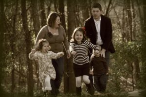 fun 300x200 Minnesota Mamaleh: Family Pictures (and your chance to win some)